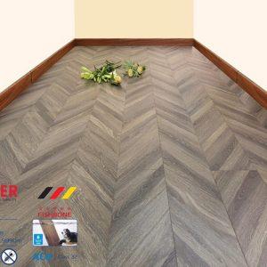 Sàn gỗ công nghiệp vân xương cá 8mm Moser XK141