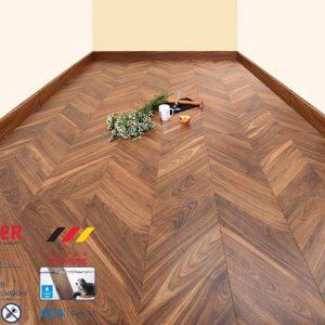 Sàn gỗ công nghiệp vân xương cá 8mm Moser XK142